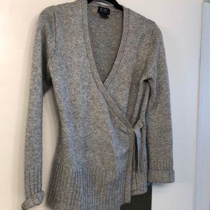 BCBG size M Cashmere sweater